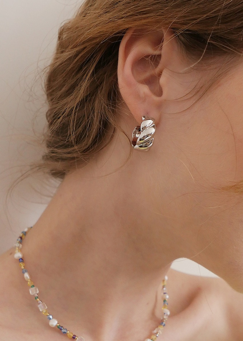 croissant earring silver